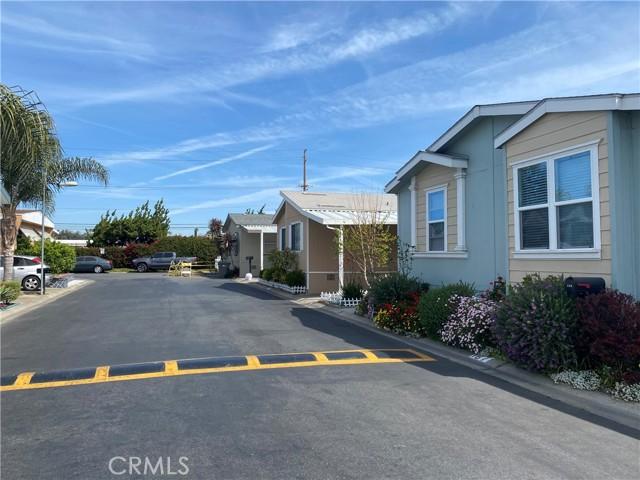 4080 W. First Street, Santa Ana CA: http://media.crmls.org/medias/daf67a8e-ffac-4c9b-b5b2-4a159d801080.jpg