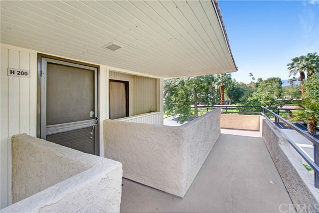 Detail Gallery Image 1 of 21 For 685 N Ashurst Ct #H200,  Palm Springs,  CA 92262 - 1 Beds | 1 Baths