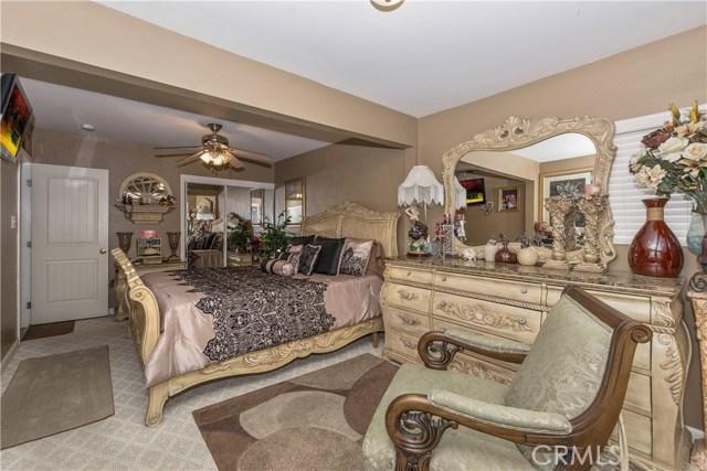7639 Lankershim Avenue, Highland CA: http://media.crmls.org/medias/db07b32f-6f0b-4945-b420-720775b12ada.jpg