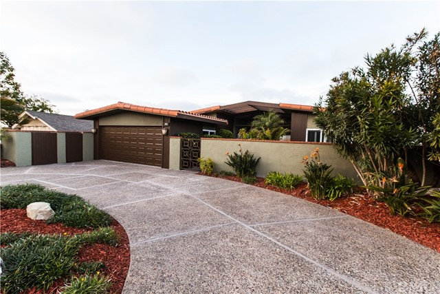 Single Family Home for Sale at 325 Calle Mayor 325 Calle Mayor Redondo Beach, California 90277 United States