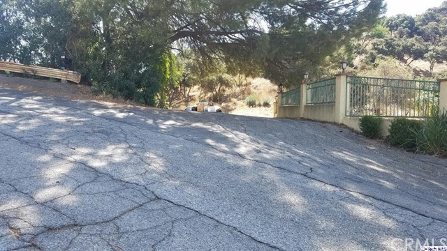 7148 Estepa Drive, Tujunga CA: http://media.crmls.org/medias/db1c911e-7d4b-483f-99e8-1ea453d6c462.jpg