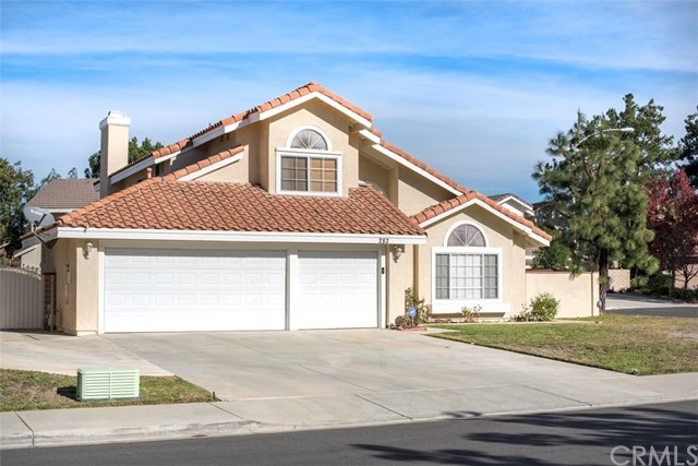 282 Port Royal Way, Riverside CA 92506
