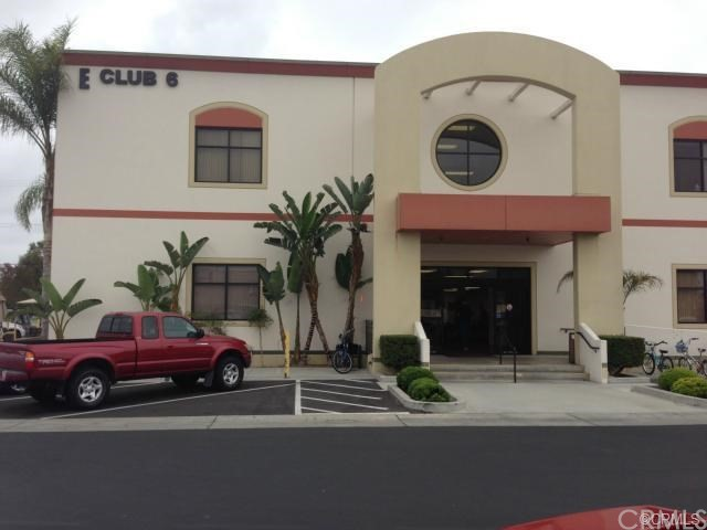 13381 Del Monte Drive, Seal Beach CA: http://media.crmls.org/medias/db3d78d2-563d-445a-8fcc-0e1df929bc50.jpg
