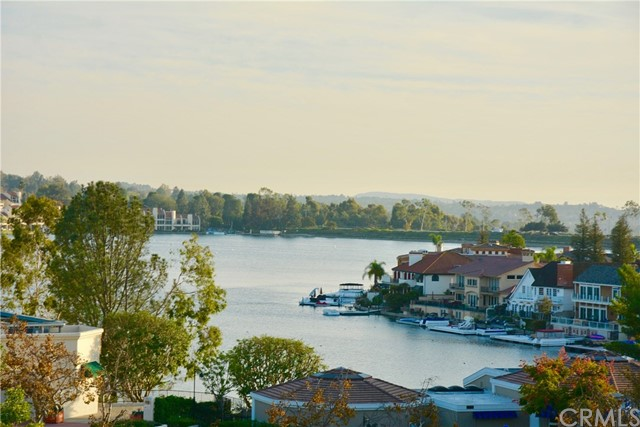 27706 Campanet 32 Mission Viejo, CA 92692 is listed for sale as MLS Listing OC17008626
