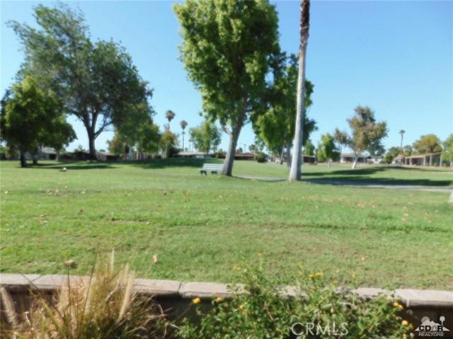 73450 Country Club Drive, Palm Desert CA: http://media.crmls.org/medias/db588b88-0208-465f-b8f2-1a66254fa645.jpg