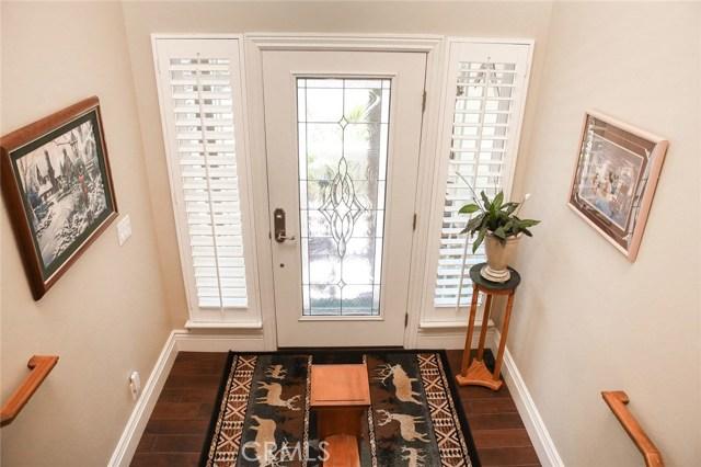 Split level entrance. 36\' leaded glass door with d