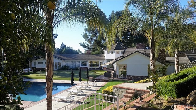 Single Family Home for Rent at 3040 Roscomare Road 3040 Roscomare Road Los Angeles, California 90077 United States