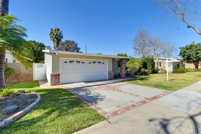 Single Family Home for Sale at 2771 Snowden Avenue 2771 Snowden Avenue Long Beach, California 90815 United States