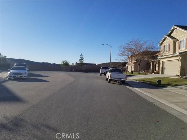 34748 Kite Street, Beaumont CA: http://media.crmls.org/medias/db918098-78c9-4eb6-a172-6f2a3594b76d.jpg