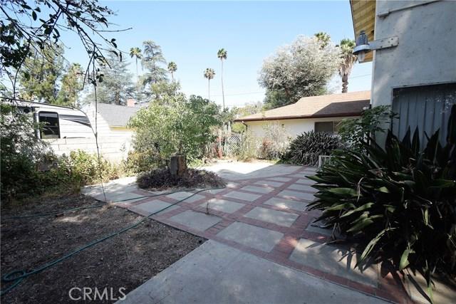 7354 Garden Street, Riverside CA: http://media.crmls.org/medias/db93e42b-5f2d-453d-b1d8-1d06c6e12abd.jpg