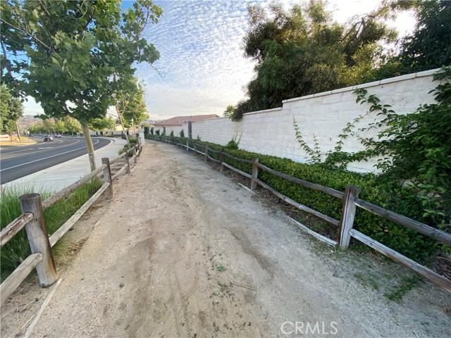 23718 Canyon Heights Drive, Menifee CA: http://media.crmls.org/medias/db960bf0-42bf-476e-b3d0-f1249b23f20c.jpg