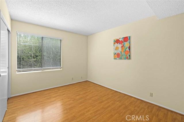 房产卖价 : $59.80万/¥411.00万