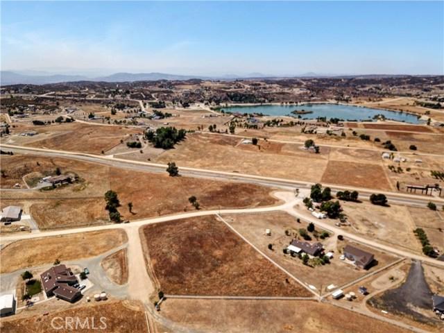 448 Comanche, Aguanga CA: http://media.crmls.org/medias/dba36e88-9804-41a6-b84d-c6968130a85d.jpg
