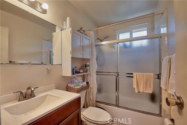 2077 Wallace Avenue, Costa Mesa CA: http://media.crmls.org/medias/dba542e3-3144-4801-a813-82bcdfd5d5fe.jpg