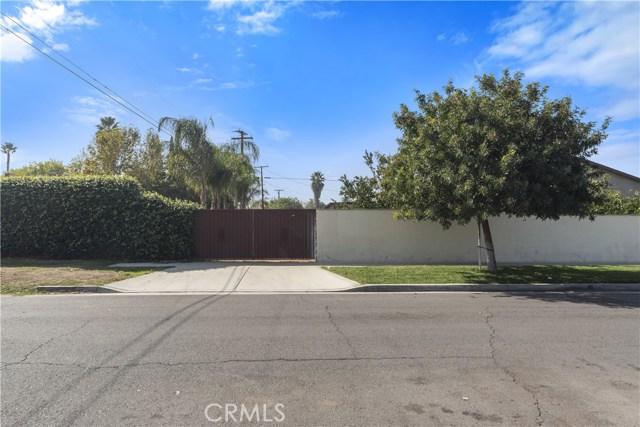 8002 Sycamore Avenue, Riverside CA: http://media.crmls.org/medias/dba75481-ad09-4fd3-bd79-e07827cc162c.jpg