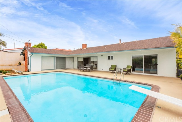 5811 S Holt Ave, Ladera Heights, CA 90056 photo 9