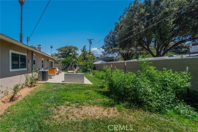 714 Ardmore Avenue, Redlands CA: http://media.crmls.org/medias/dbb409cf-bf97-4507-bc06-783ce5337a42.jpg
