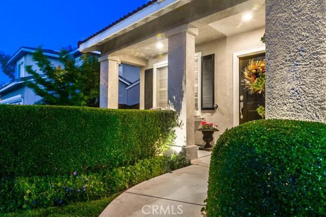 598 Redondo Lane, Corona CA: http://media.crmls.org/medias/dbb98def-65c0-4c56-b373-1e7d96bc08cc.jpg