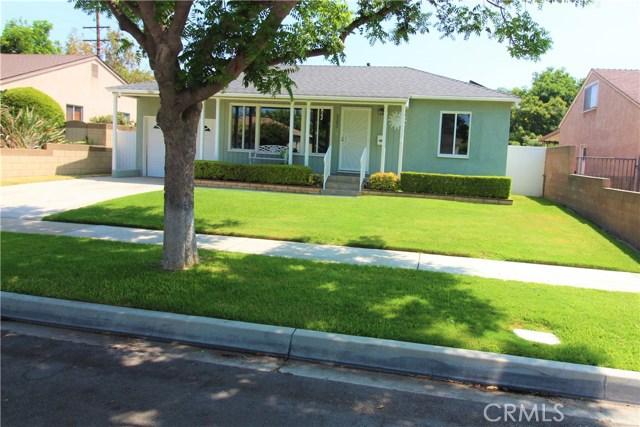 5242 Hersholt Avenue, Lakewood CA: http://media.crmls.org/medias/dbd01e5b-87af-4ca8-a612-4e12a82b5d92.jpg