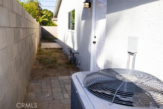 73216 San Nicholas Avenue, Palm Desert CA: http://media.crmls.org/medias/dbdb139a-d12b-4cdf-adc8-e2c646f9fea4.jpg