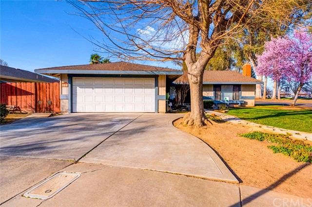Detail Gallery Image 1 of 34 For 613 Berkeley Ct, Merced,  CA 95348 - 3 Beds   2 Baths