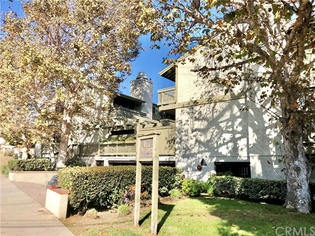 220 Prospect Avenue, Redondo Beach, California 90277, 3 Bedrooms Bedrooms, ,2 BathroomsBathrooms,Townhouse,For Sale,Prospect,SB19240978