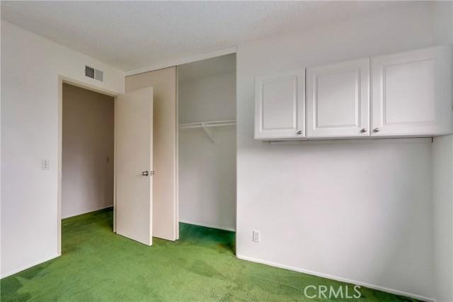 2610 W Hall Avenue, Santa Ana CA: http://media.crmls.org/medias/dbeb913e-83f3-49f6-af2d-640171bcdcb0.jpg