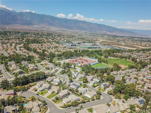 9819 Via Esperanza ,Rancho Cucamonga,CA 91737, USA