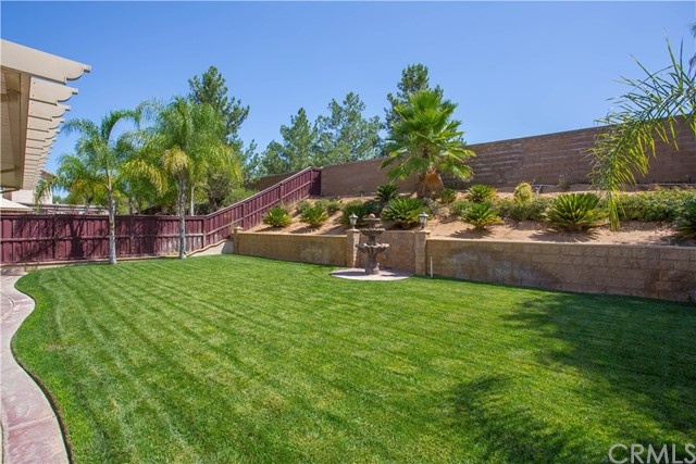 11526 Rivers Bend Drive, Beaumont CA: http://media.crmls.org/medias/dbf78150-565f-4898-86b2-4416cfa3951d.jpg