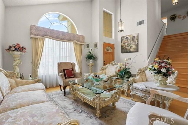 房产卖价 : $77.80万/¥535.00万