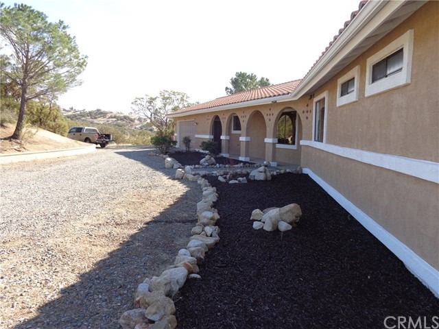 Частный односемейный дом для того Продажа на 39575 Anzanita Lane 39575 Anzanita Lane Anza, Калифорния 92539 Соединенные Штаты