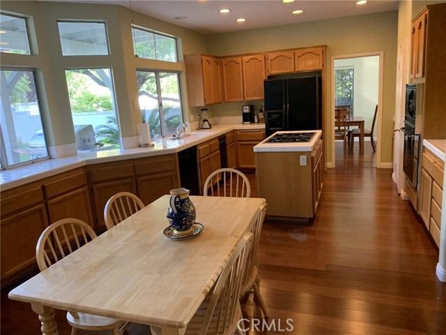 6225 Sunnyhills Place, Rancho Cucamonga CA: http://media.crmls.org/medias/dc1dda05-f265-4df9-bb25-ad53d62cde80.jpg
