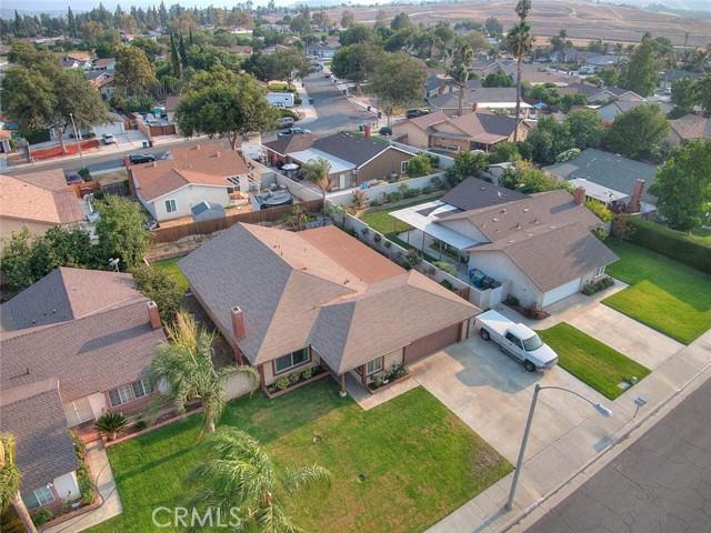 10078 Julian Drive, Riverside CA: http://media.crmls.org/medias/dc1f5204-8b96-4e64-a3b3-0f8b81983fb3.jpg