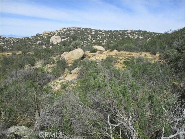991 Crazy Horse Canyon Road, Aguanga CA: http://media.crmls.org/medias/dc28e25b-9f1e-4022-b0f0-64994d5b2160.jpg