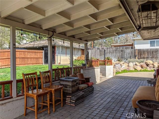 501 Discovery Street, Yreka CA: http://media.crmls.org/medias/dc329775-ee43-4692-8b15-19b8258fddf1.jpg