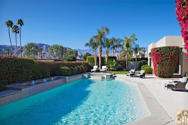 Single Family Home for Sale at 139 Waterford Circle 139 Waterford Circle Rancho Mirage, California 92270 United States