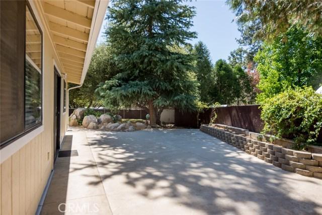 40768 Griffin Drive, Oakhurst CA: http://media.crmls.org/medias/dc425e0a-f7f5-41c4-ae0a-38a9142b20be.jpg