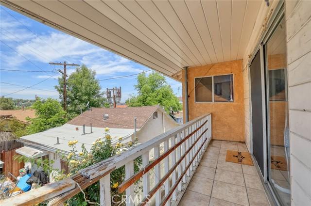 5682 ALDAMA Street, Highland Park CA: http://media.crmls.org/medias/dc4aa88d-fe93-4cc9-932d-2aece81b0d73.jpg