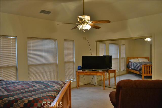 53890 Dogwood Creek Drive, Bass Lake CA: http://media.crmls.org/medias/dc4e3e30-1bf4-488b-a0dc-b1029a486bdb.jpg