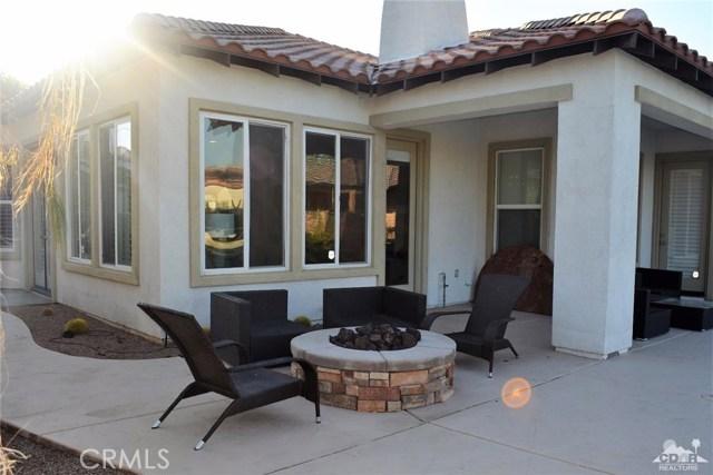 91 Shoreline Drive, Rancho Mirage CA: http://media.crmls.org/medias/dc63cf5a-691f-4271-8a5a-34d02e70bc89.jpg