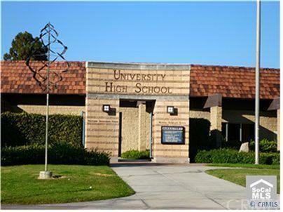 62 COLUMBIA, Irvine CA: http://media.crmls.org/medias/dc667c40-5832-4b4f-a3e1-250b719604b2.jpg