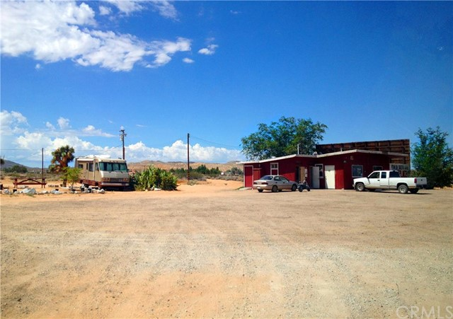 Additional photo for property listing at 20737 Highway 58  Hinkley, California 92347 United States