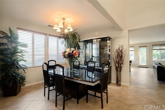 6578 Fishers Court, Moorpark CA: http://media.crmls.org/medias/dc7d457b-2caf-4ce1-99ce-b18a25beae9c.jpg