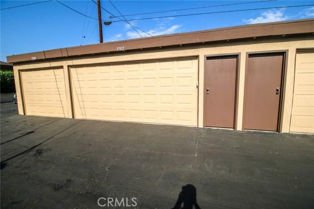 1782 Benedict Way, Pomona CA: http://media.crmls.org/medias/dc8469ad-2451-45d9-8f1b-e66fa606321e.jpg