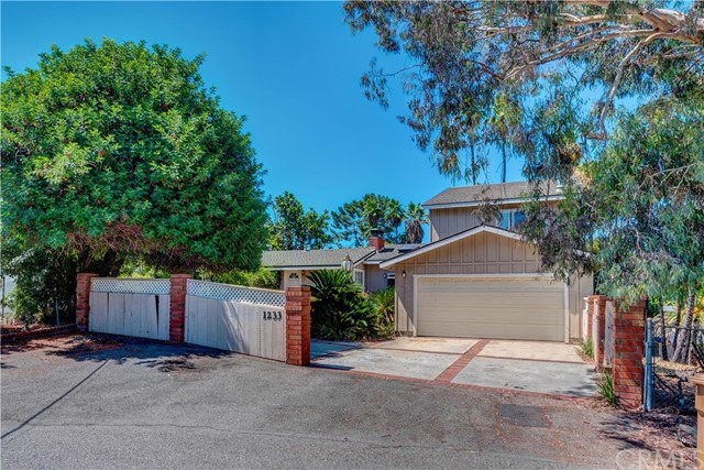 Photo of 1233 W Valley View Drive, Fullerton, CA 92833
