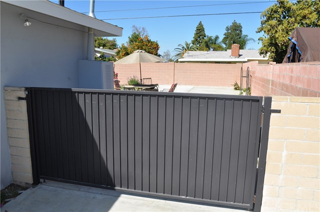 2841 W Skywood Cr, Anaheim, CA 92804 Photo 22
