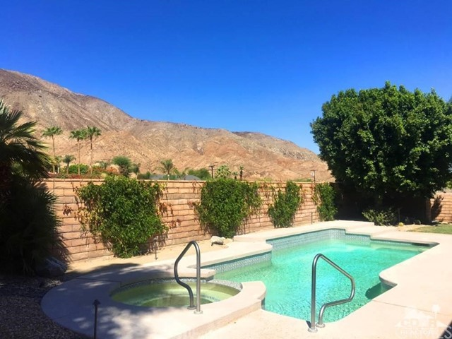 130 Vista Paseo, Palm Desert, CA, 92260