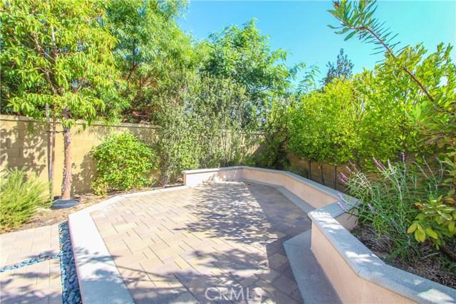 98 Bianco, Irvine CA: http://media.crmls.org/medias/dca0d290-04f1-4f84-8332-44d568395d08.jpg