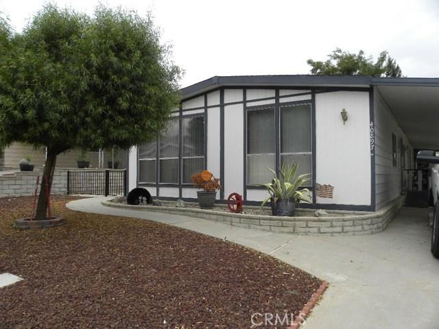 40897 Laredo, Cherry Valley CA: http://media.crmls.org/medias/dcae65bc-fbd7-4c0a-b631-7e98d0a5614a.jpg