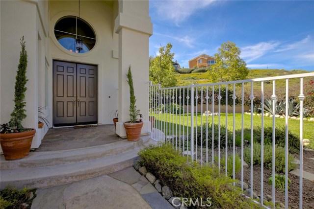 32 Regalo Drive, Mission Viejo CA: http://media.crmls.org/medias/dcaef38f-94f6-4e9f-a34a-1146623f588e.jpg
